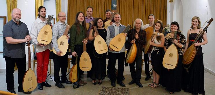 Photo: Bohemian Lute Orchestra.